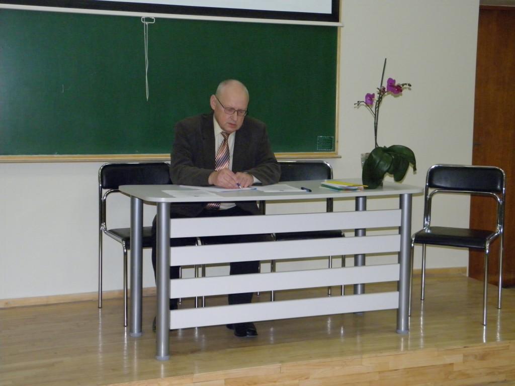 Konf. vedėjas prof. habil. dr. Valdas Pruskus